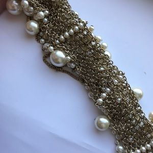 Forever 21 Jewelry - Forever 21 Pearl Bib Necklace